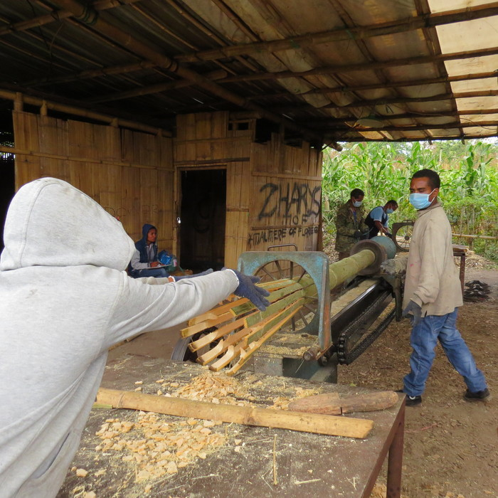 Local processing<br><br>ITTO is enhancing the efficient and sustainable use of bamboos in Indonesia through capacity building provided under project PD 600/11 Rev.1 (I).<br>
